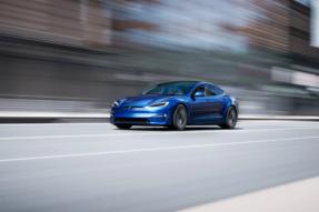 特斯拉将向有良好驾驶记录的车主开放有争议的 FSD 测试版软件